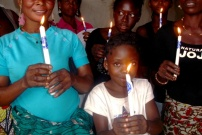 """La vela de """"Enciende la llama"""" en la R.D. del Congo"""