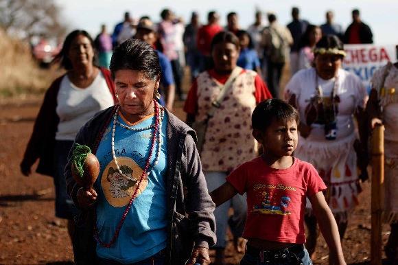 Indígenas Kaiowá-Guaranís de Mato Grosso do Sul Brasil- Foto Ruy Sposati/ Cimi