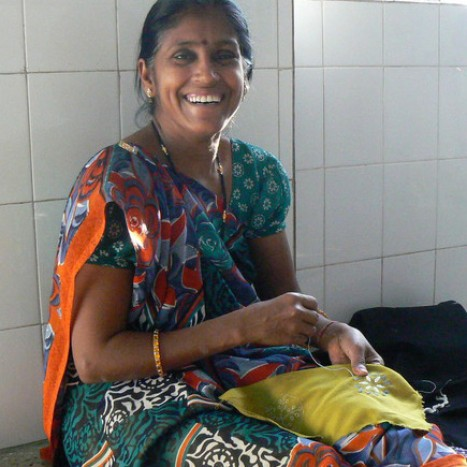 Una de las mujeres que trabajan en la cooperativa. Foto Dominicas Misioneras del Rosario