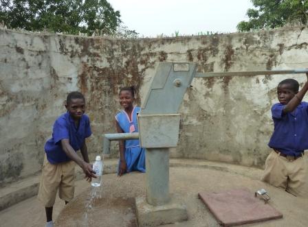 Foto Manos Unidas El agua es vital también para la prevención del ébola