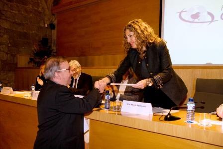 Joan Martí, recoge el premio de la Fund. Ordesa para manos Unidas. Foto:Fund. Ordesa
