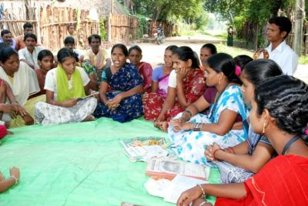 Grupos de capacitación de la mujer. Foto:Victor Dass en India/Manos Unidas