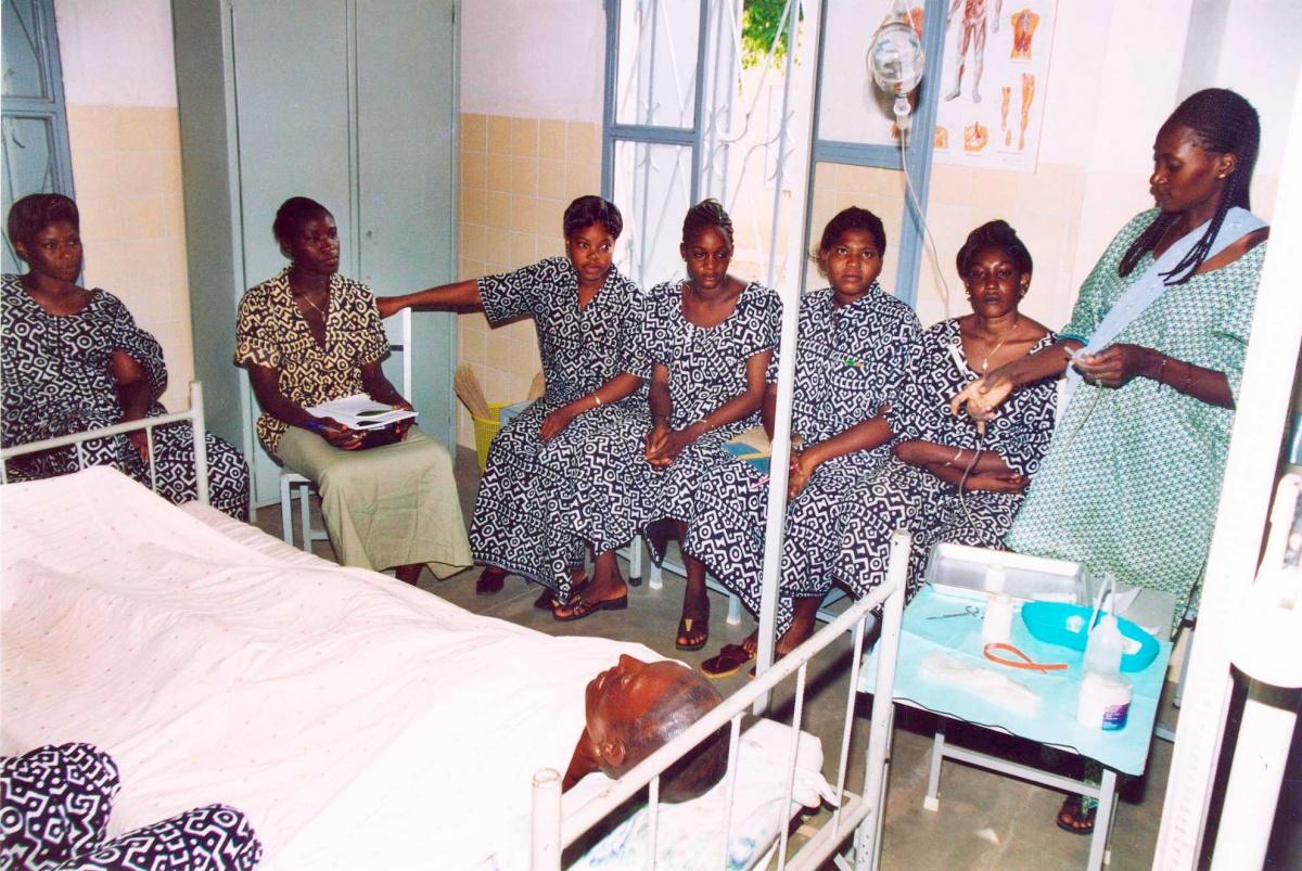 Día Internacional de la Enfermería 2020 (Foto: hecha en Mali por Javier Mármol)