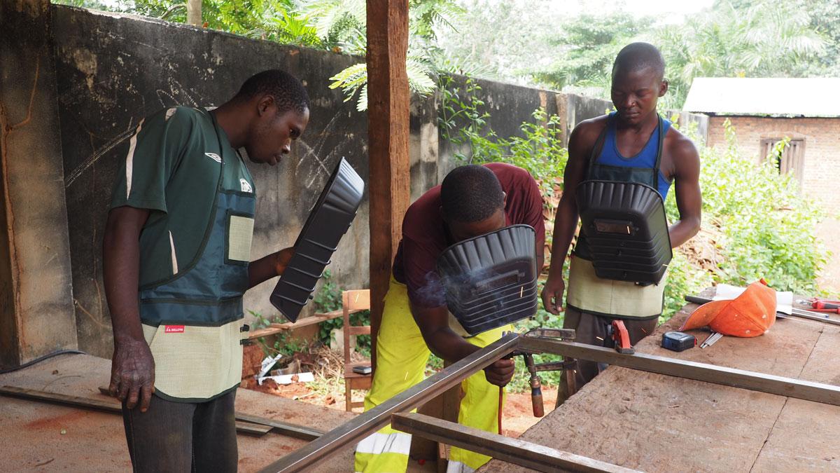 Una imagen del taller de soldadura. Foto  Misión de Bangassou/Fundación Bangassou