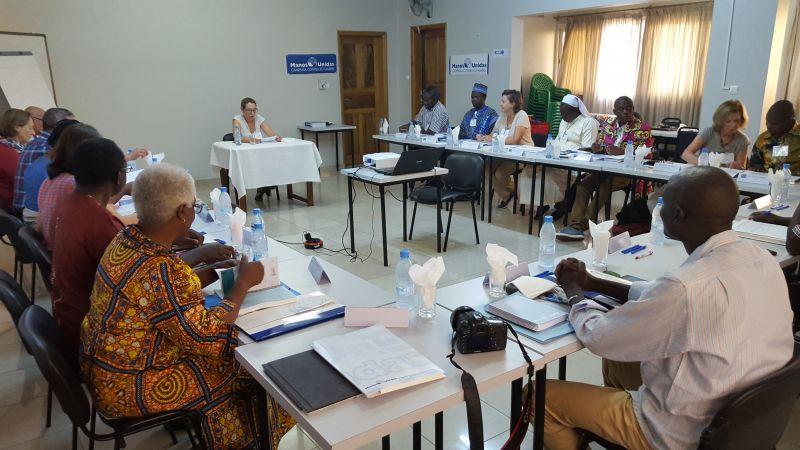 Isabel Vogel, responsable de Proyectos de Manos Unidas inaugura las reuniones del Encuentro Internacional sobre el Derecho a la Alimentación en África de Manos Unidas en Dakar. Foto. Marta Isabel González/Manos Unidas