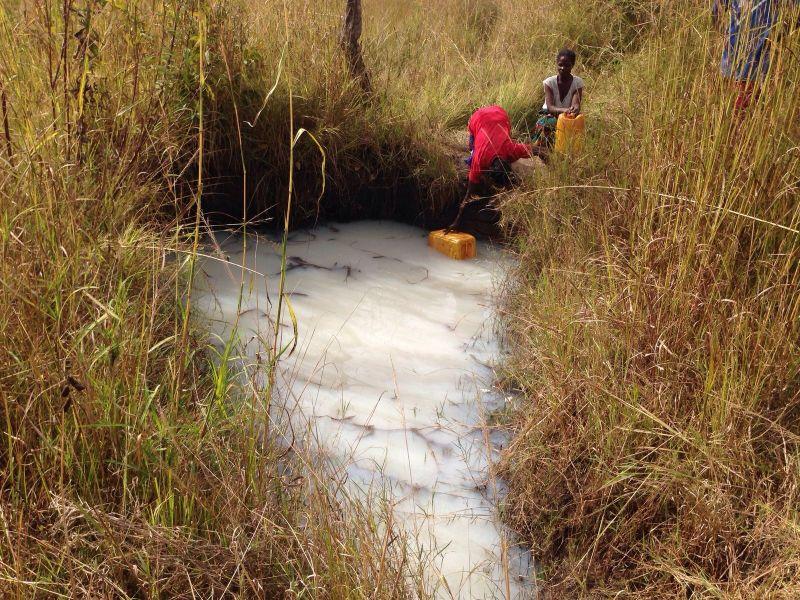 Agua contaminada en Zambia_Foto_manos Unidas /Beatriz Hernáez