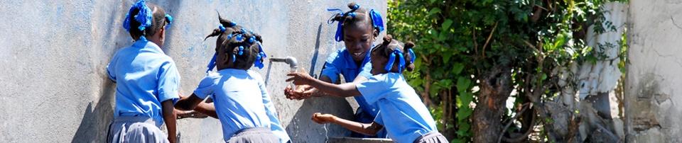 Niñas Restavek en Haití. Foto: Mª Eugenia Díaz