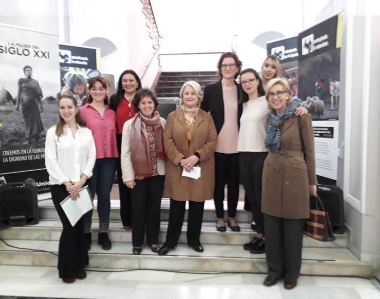 """Inauguración de la exposición """"La Mujer del Siglo XXI"""" de Manos Unidas Valencia en la Facultad de Enfermería de la UCV"""