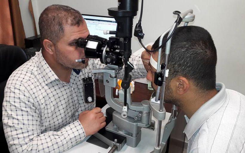 Ahmed en su revisión médica Foto CNEWA Pontifical Mission