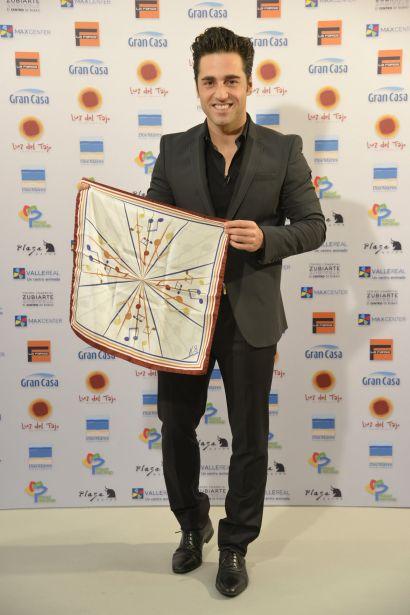 David Bustamante colabora con Manos Unidas
