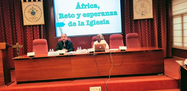 "Charla ""Africa, reto y esperanza de la Iglesia"" en universidad San Damaso"