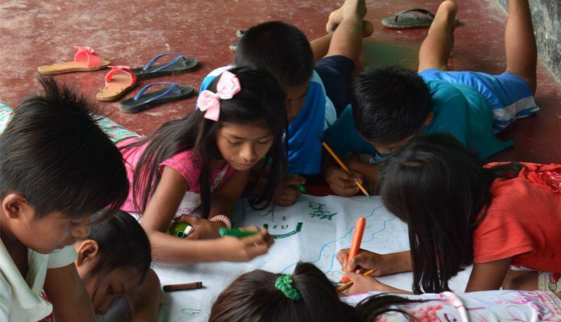 Niños y niñas awajún aprenden sobre los derechos de sus comunidades - Foto CAAAP