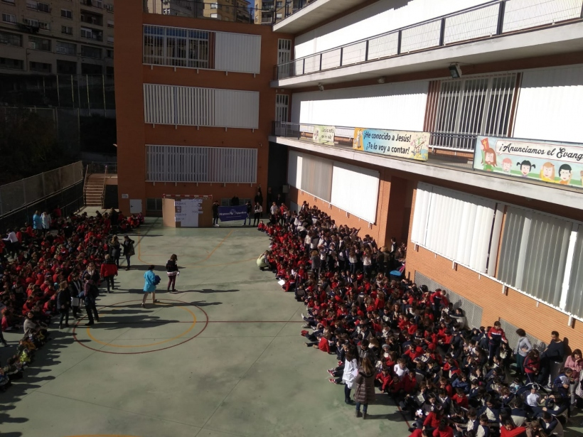 Día de la Paz con Manos Unidas en el Colegio San Roque de Alcoi