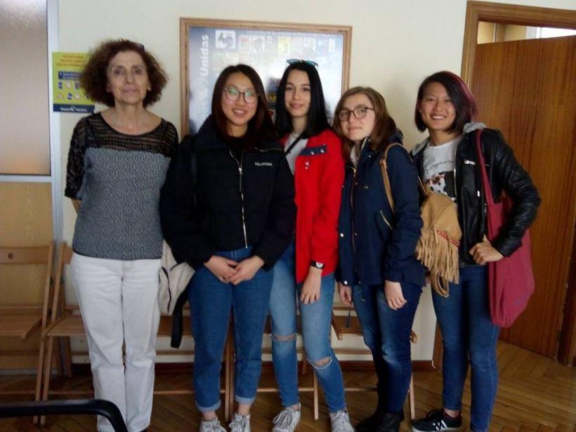 Alumnas del IES Cervantes visitan Manos Unidas Madrid