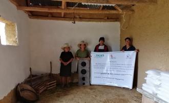 Familia muestra el proceso de Mejoramiento de la vivienda en la Comunidad de San Pedro de Tinyayoc