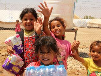 Distribución alimentos de primera necesidad para refugiados iraquíes