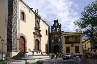 """Stand de Enciende tu Compromiso En la feria de acción social """"Periferia"""". Plaza de San Agustín. La Orotava"""