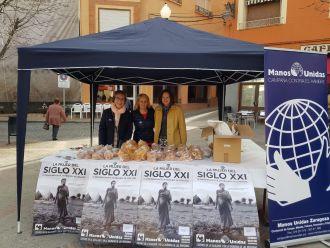 Caseta de Manos Unidas en el Mercadillo de Saldos de Caspe