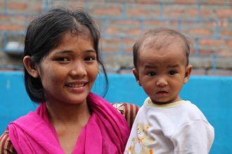 Mejora de la salud materno-infantil en el barrio marginal de Pilkhana (Calcuta). Foto: Manos Unidas/Fátima López-Asiain