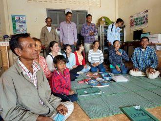 Atención a personas seropositivas y en situación de dependencia en el noroeste de Camboya.