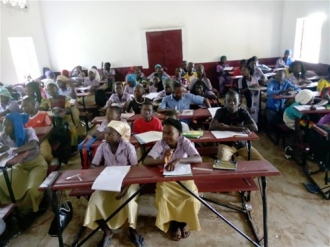 """""""Educación y acceso al agua para jóvenes sin recursos"""" en Moissala (Chad)"""