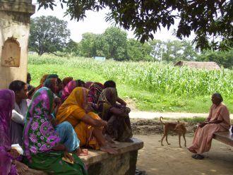 Encuentro de mujeres en una población rural de la India. Foto: Manos Unidas