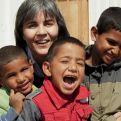Alicia Vacas con niños de Gaza