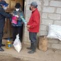 Reparto de ayuda humanitaria a los afectados por la crisis del coronavirus y el volcán Sangay en la región del Chimborazo en Ecuador