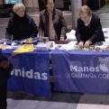"""Mesa en el """"Mercadillo solidario de ONGs"""" de Almazora"""