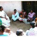 Charla sobre la Malaria en una aldea en la Índia