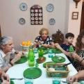 Cena del Hambre Virtual de Manos Unidas Valencia, voluntaria de la delegación y familia.