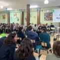 Jóvenes y mayores se han unido en esta cena solidaria organizada por Manos Unidas Alacuás.