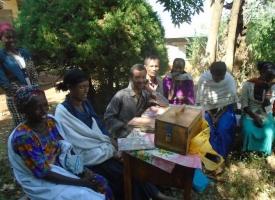 Concienciando para el cambio de la situación de la mujer en Etiopía. Foto: Manos Unidas