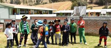 Niñas y niños ejercen su Derecho a una Educación Intercultural. Foto: Manos Unidas