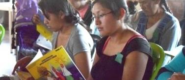 Formación a mujeres indígenas pobres conocer sus derechos y trabajar. Manos Unidas Valencia