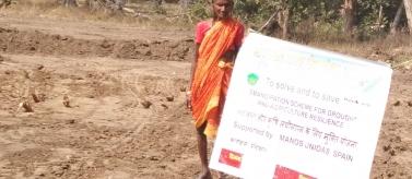 Agricultor en distrito de Maharashtra, India. Foto: Manos Unidas