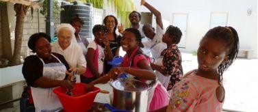 Niños y niñas, rehabilitación nutricional