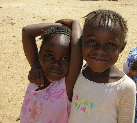 El poder del trabajo pequeño en Kanzenze, RDC. Foto: Manos Unidas/Mamen Lucas