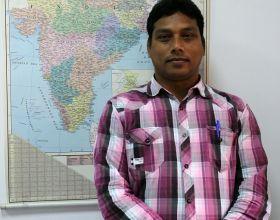 Father Manoj en su visita a Manos Unidas