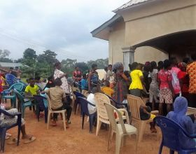 Ayuda de emergencia para refugiados cameruneses en Nigeria