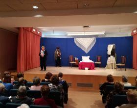 """La Compañía de Teatro Montearagón representó la obra """"La venganza de la Petra"""" a beneficio de Manos Unidas"""