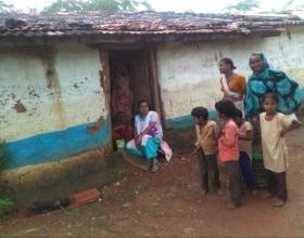 Empoderamiento socioeconómico de mujeres tribales