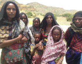 Las mujeres y las niñas son las principales perjudicadas por la escasez de agua en Afar, Etiopía - Foto Manos Unidas