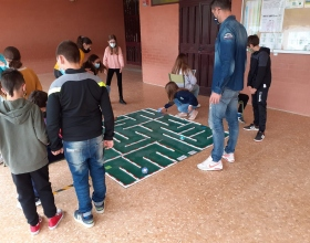 Los alumnos han mostrado mucho interés por la actividad de robótica promovida por Manos Unidas Valencia con el apoyo de la Generalitat Valenciana.