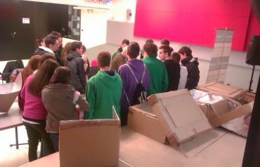 Demostración práctica a los alumnos: cómo construir cocinas solares con cajas de cartón