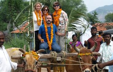 Grupo de voluntarios en el viaje a la India