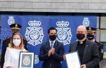 La comarcal de Paterna de Manos Unidas Valencia ha recibido un premio en el Día de la Policía Nacional.