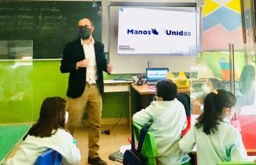 Taller de sensibilización de Manos Unidas en el colegio Santo Domingo de Madrid