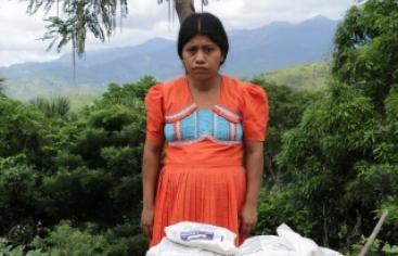 Una imagen de las afectadas por el Caso Camotán de denuncia contra el Derecho a la Alimentación de Guatemala. Foto Marta Isabel González/Manos Unidas