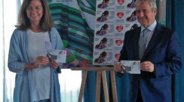 Correos y Manos Unidas presentan el primer sello solidario. Foto: Manos Unidas